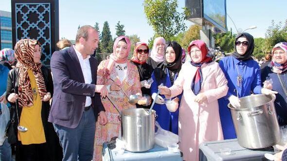 AK Parti Bigadan aşure ikramı