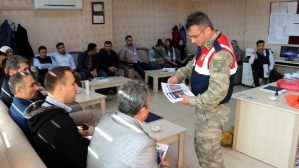 Hassada jandarma öğretmenleri bilgilendiriyor