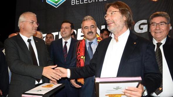 Göztepe Spor Akademisi Tesisleri, görkemli bir törenle tanıtıldı