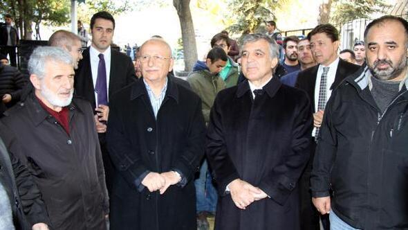 Abdullah Gül, amcasını son yolculuğuna uğurladı
