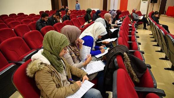 Sparktan OKÜde öğrenim gören 16 Suriyeli öğreniciye burs