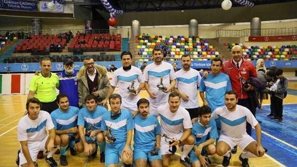 Görme engelliler ile A Milli Takımı eski oyuncuları futbol maçı yaptı