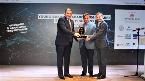 MÜSİAD'dan Ortadoğu Grup'a destek ödülü verildi