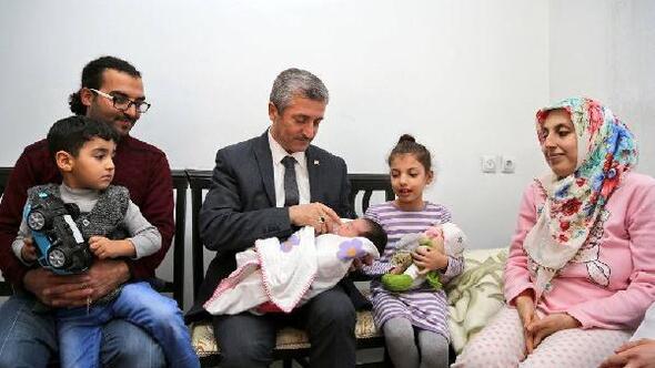 Tahmazoğlundan 80 bininci bebeğe ziyaret