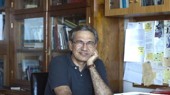 Orhan Pamuk'a Karadağ'dan ödül