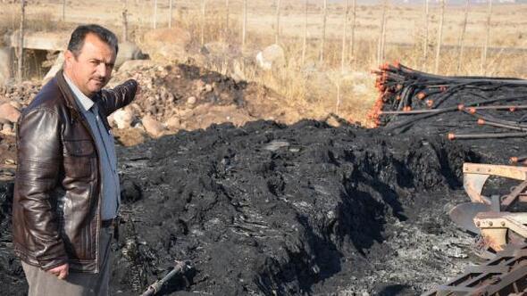 Çiftlikteki 500 bin liralık sulama boruları yakıldı