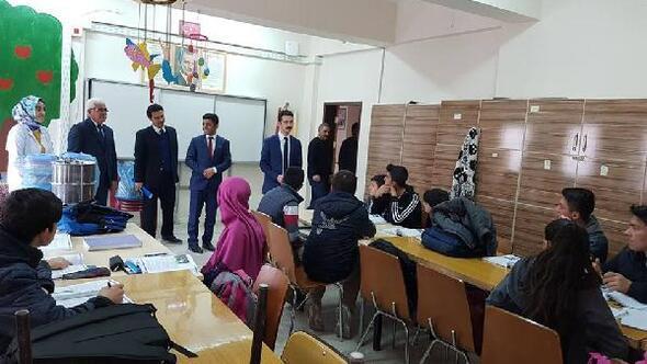 Çamardı Kaymakamı Şan, okulları ziyaret etti