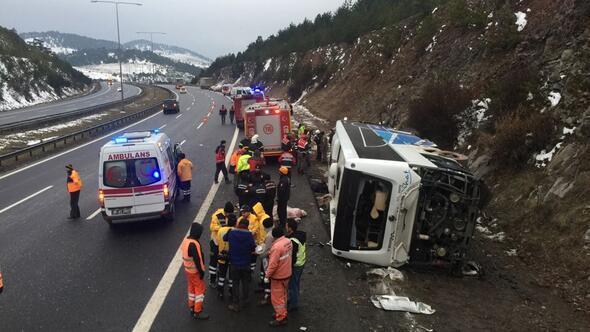 Anadolu Otoyolu'nda otobüs devrildi