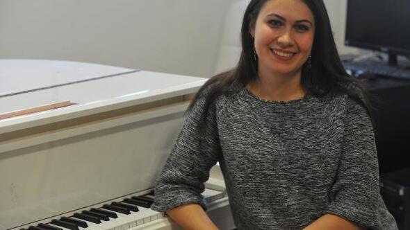 Piyano dahilerinin avcısı Elena