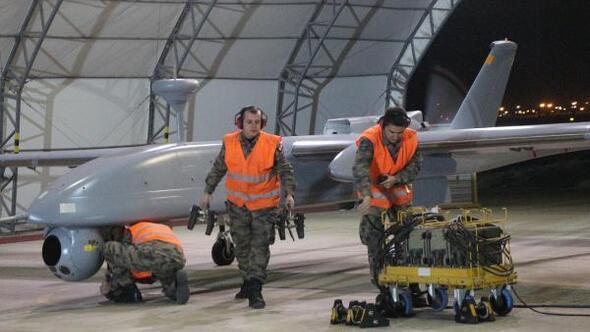 Batmandaki İnsansız Hava Uçakları Sistemleri Üssünü DHA görüntüledi