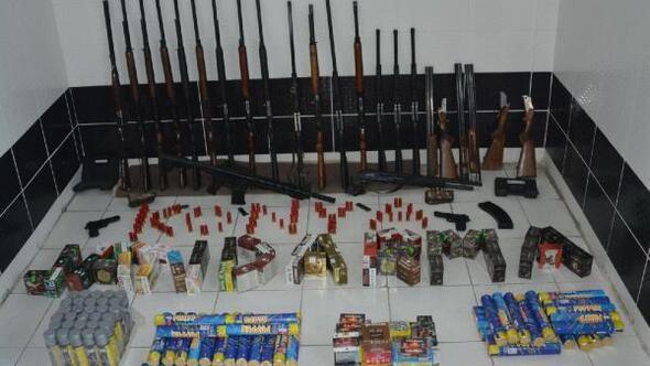 Minibüsle kaçak silah satan 1 kişi gözaltına alındı
