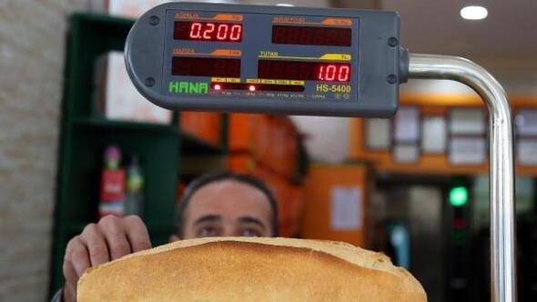 Antalyada ekmeğin gramajının düşürüldüğünü birçok kişi fark etmedi