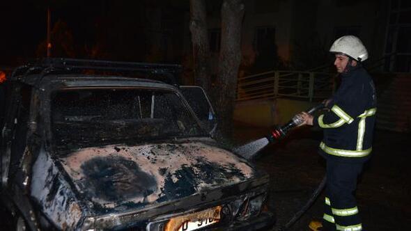 LPGli otomobil yangında küle döndü