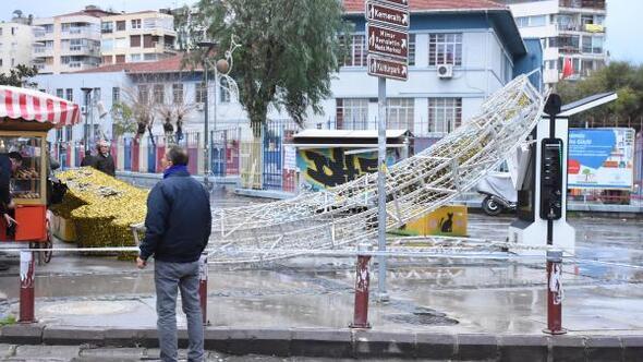 İzmir'deki fırtınada denizle kara birleşti (3) - Yeniden