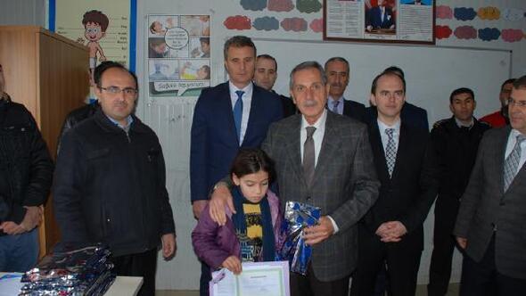 Adıyamanda Suriyeli 3 bin 350 öğrenci karne aldı