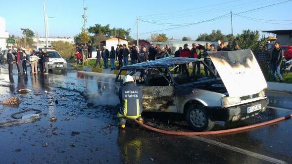 5 aracın karıştığı kazada otomobil küle döndü