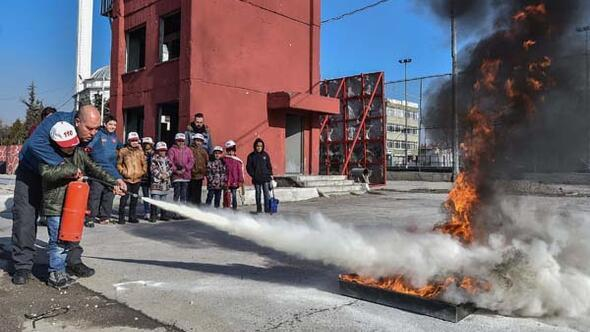 Mülteci çocuklara yangın eğitimi