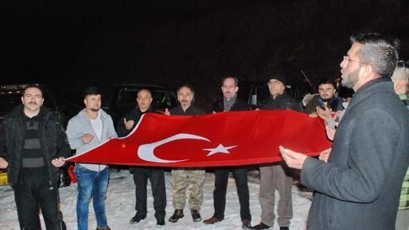 KASDOFF üyeleri Ilgaz'ın 2600 metre rakımlı tepesinde Mehmetçikler için dua etti
