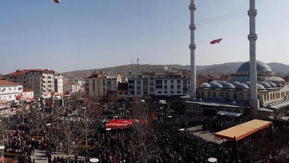 Samsunlu şehit Uzman Çavuş Şahini son yolculuğuna 10 bin kişi uğurladı