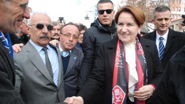 Akşener: ABD ile Türkiye dost mu düşman mı cevabını ver