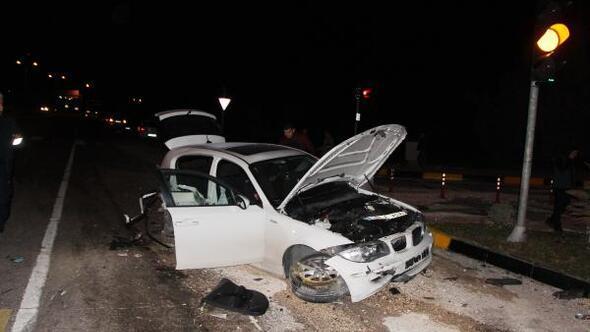 Üniversite öğrencisi kazada öldü, 2 arkadaşı yaralandı