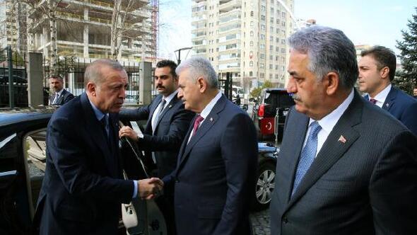 Erdoğan: Afrin şehir merkezini bir an önce kuşatıp teröristlerin dışarı ile temasını kestikten sonra yeni bir strateji ile harekatı sürdüreceğiz