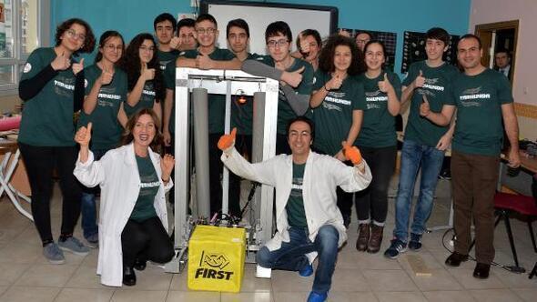 Bilim ve sanat öğrencileri kutu taşıyan robot tasarladı