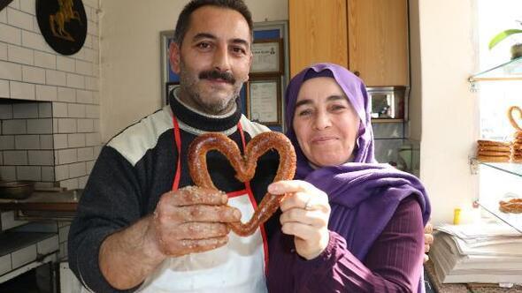 Fırıncı çiftin kalp şeklindeki simitlerine ilgi büyük