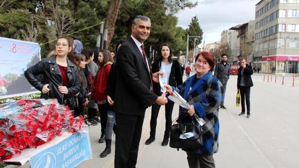 MHPden Kadınlar Günü kutlaması