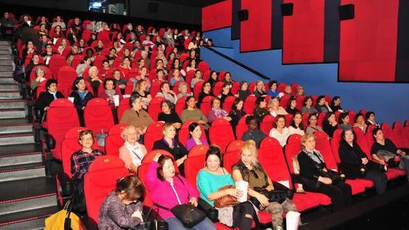 Balçovalı kadınlara özel sinema gösterimi