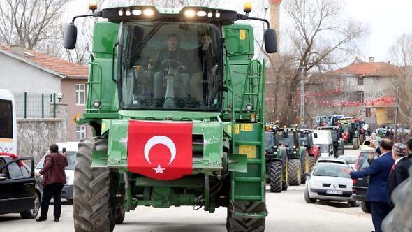 Gölbaşında çiftçilerden Mehmetçiğe destek