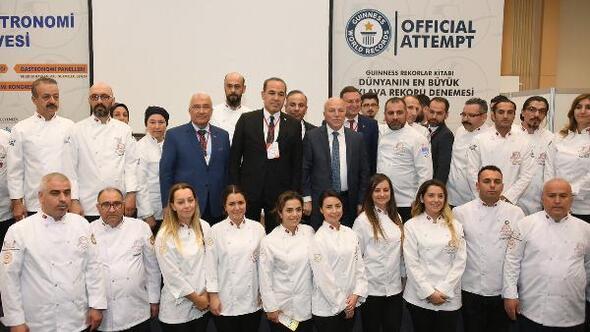 Gastronomi Zirvesi'nde Başkan Sözlü'den 'yerli ürün' vurgusu