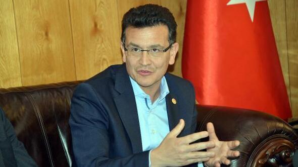Komisyon Başkanı Uslu: Afrine 300 binden fazla Suriyelinindöneceğini tahmin ediyoruz