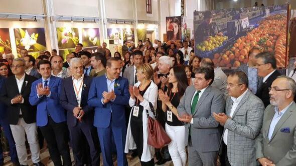 Bir Turuncu Öykü Adana sergilendi