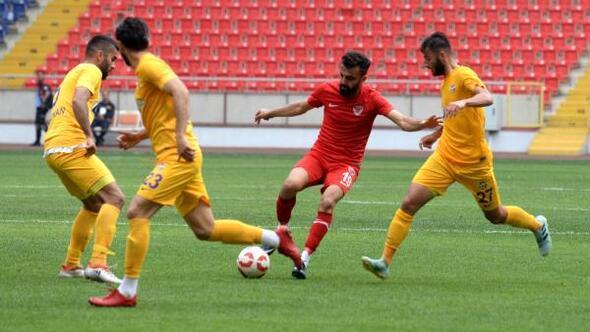 Mersin İdmanyurdu kalecisi Hasan, 4üncü golün ardından sahayı terk etti