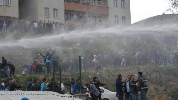 Hakkaride futbol maçı sonrası olaylar çıktı