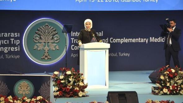 Emine Erdoğan: İlaç endüstrisi, tıp mesleğini kontrolüne almış durumdadır