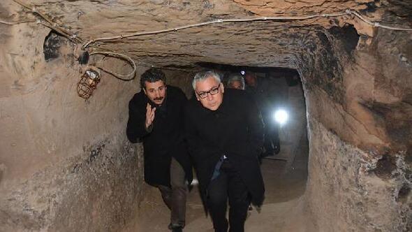 Vali Şimşek Kavlaktepe yeraltı şehrinde incelemelerde bulundu