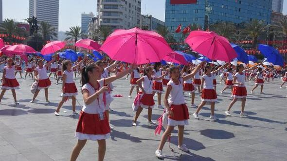 İzmirde 23 Nisan coşkusu
