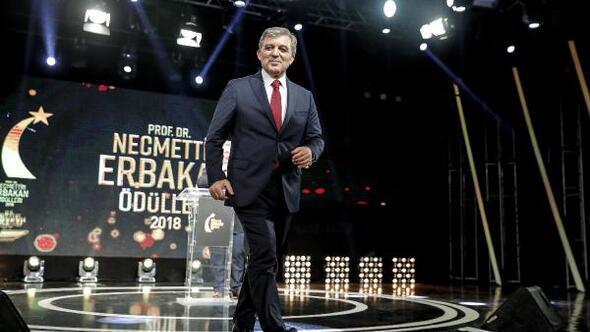 Abdullah Gül ile Karamollaoğlu ödül töreninde(GENİŞ)