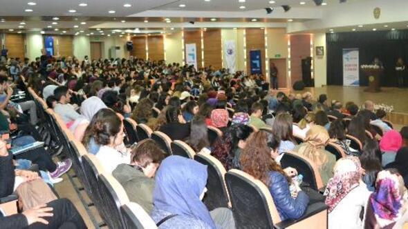 ÇOMÜde, Kariyer Günü konferansı gerçekleştirildi