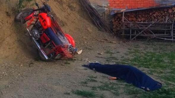Dodurgada sepetli motosiklet kaza yaptı; 1 ölü, 1 yaralı