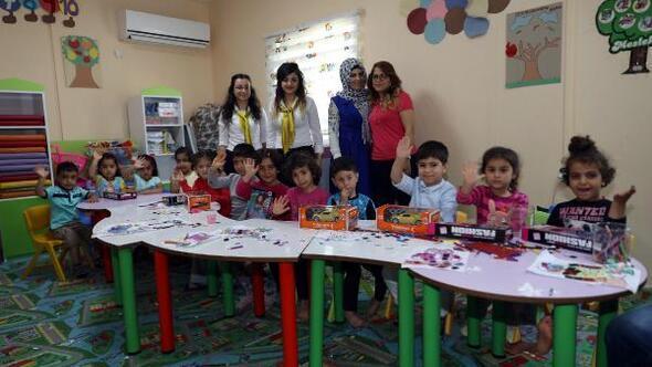 Diyar Masa gezici ekiplerinden kreş çocuklarına oyuncak