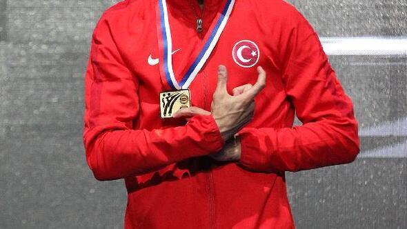 Milli karateciler 2 altın, 1 gümüş, 4 bronz madalya elde etti