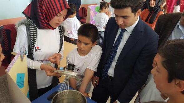 Celaller Köyü Ortaokulu bilim fuarı açıldı
