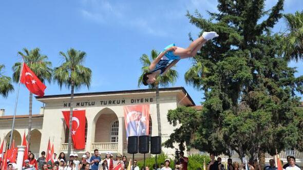 Mersin'de coşkulu 19 Mayıs kutlaması