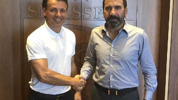 Demir Grup Sivasspor Tamer Tuna ile anlaştı