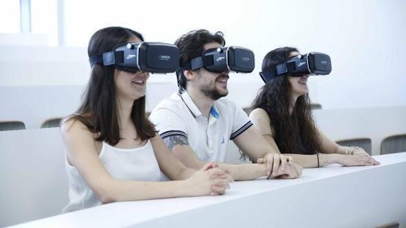 FARMAVR simülasyon teknolojisi ile gerçek eczane deneyimi