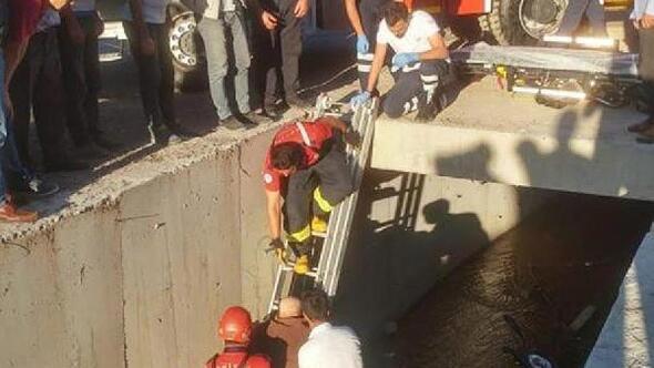 Elektrikli bisiklet su kanalına düştü; sürücü yaralandı
