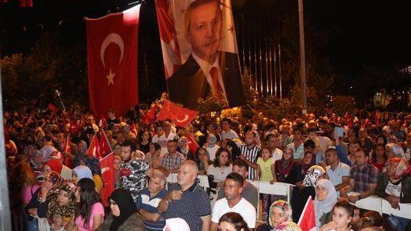 Ispartada Demokrasi ve Milli Birlik Günü yürüyüşü